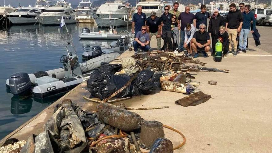 Recullen 300 quilos de residus del fons marí de Roses