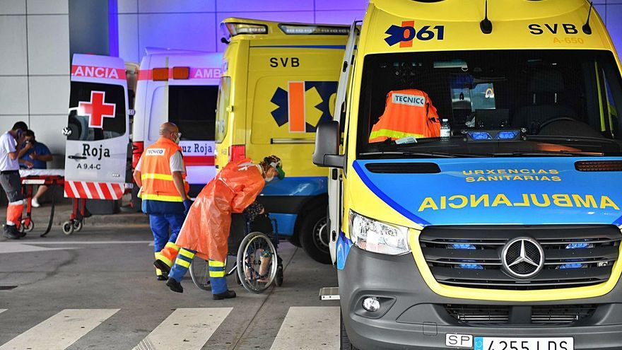 A Coruña concentra un tercio de los casos activos en Galicia, pero bajan los hospitalizados