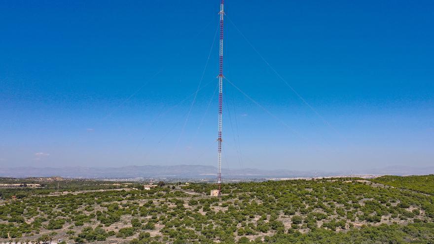 La antena radionaval de Guardamar sigue siendo la edificación más alta de España con 380 metros de altura