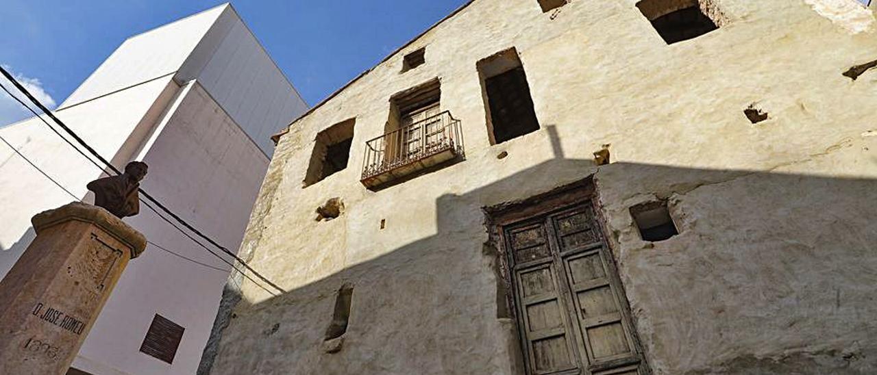 Casa donde vivió José Romeu. | DANI TORTAJADA