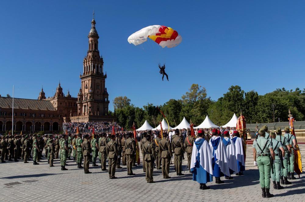 Unas 2.000 personas juran bandera como civiles ...