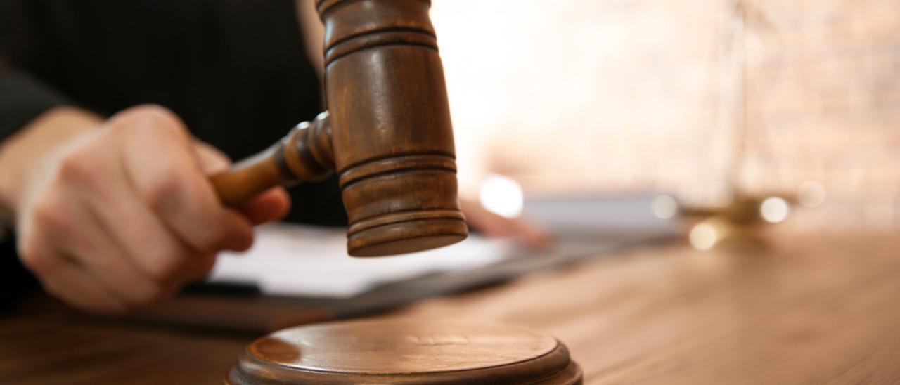 Imagen del mazo de un juez.