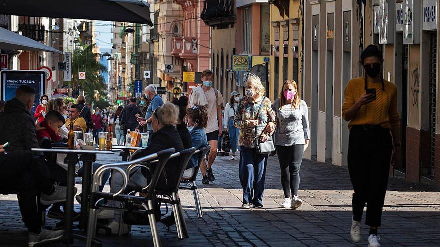 El aumento de casos en Tenerife aboca a la isla a regresar al semáforo amarillo