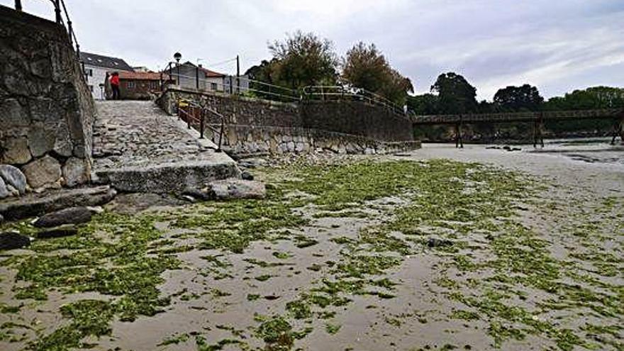 Oleiros prepara un proyecto para la playa de Santa Cruz ante la pérdida de arena