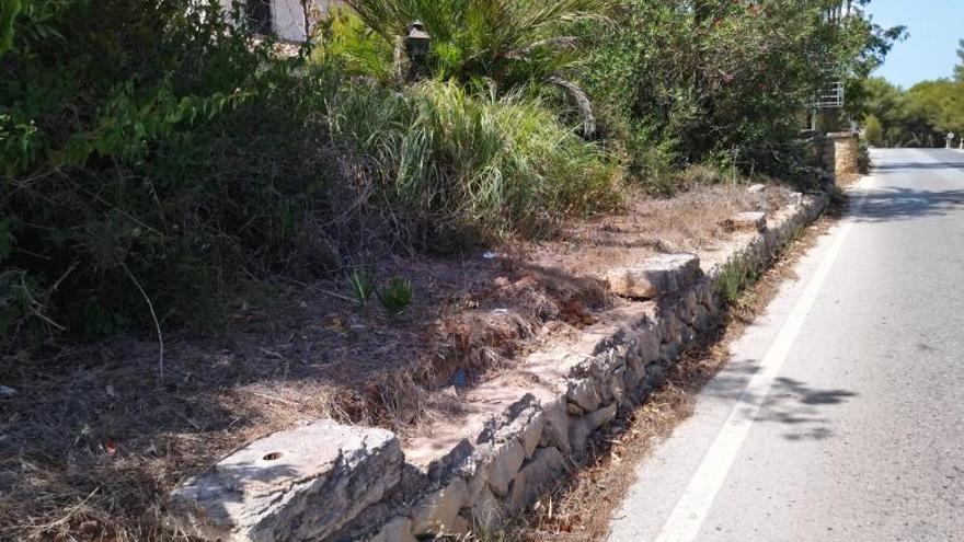 El negocio de expoliar los viejos sillares de piedra tosca de Xàbia