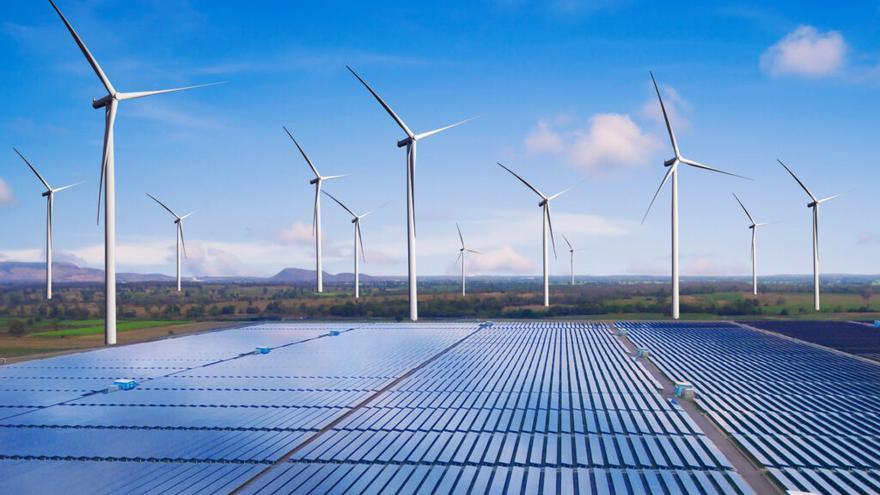 La patronal defiende las energías renovables frente al alza de la luz
