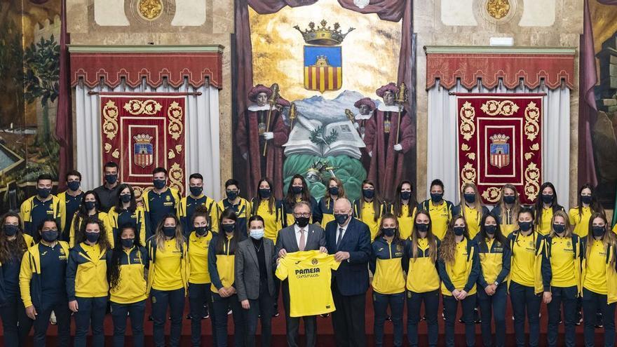 La Diputació de Castelló homenajea al Villarreal femenino tras su ascenso a la Liga Iberdrola