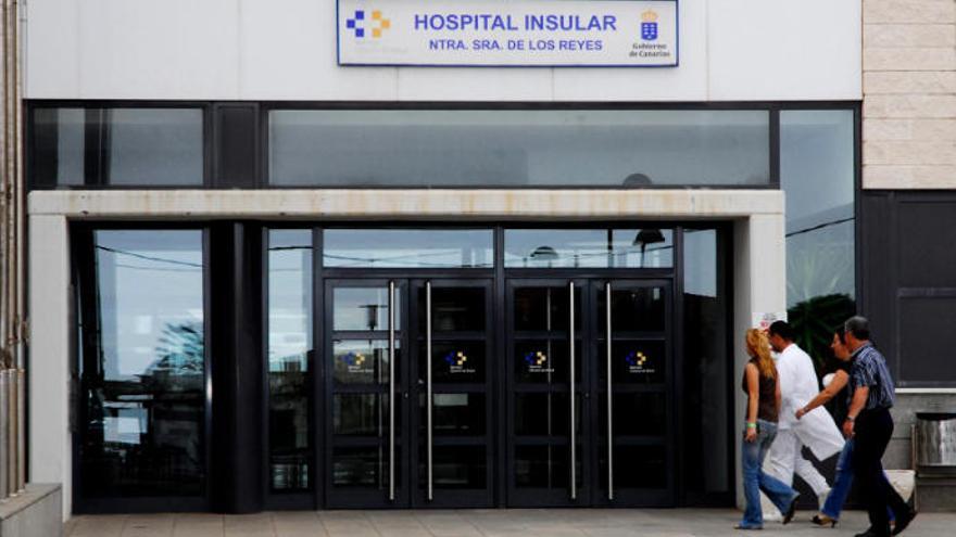 Intersindical pide el cese del director gerente del Hospital de El Hierro