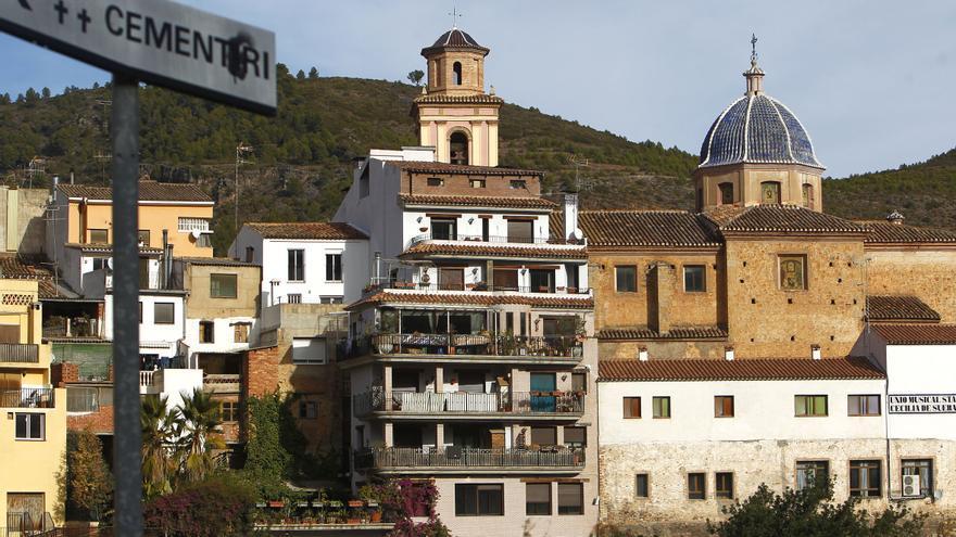 La donación de una escultura de Franco enfrenta al pleno de Segorbe