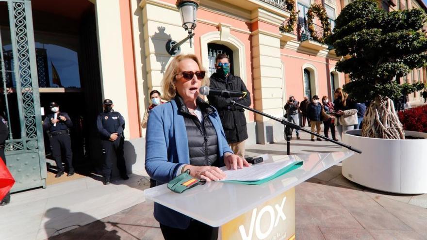Más de cien personas arropan a Vox en Murcia en un acto en defensa de la Constitución