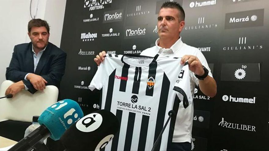 El Castellón hace oficial la destitución de David Gutiérrez