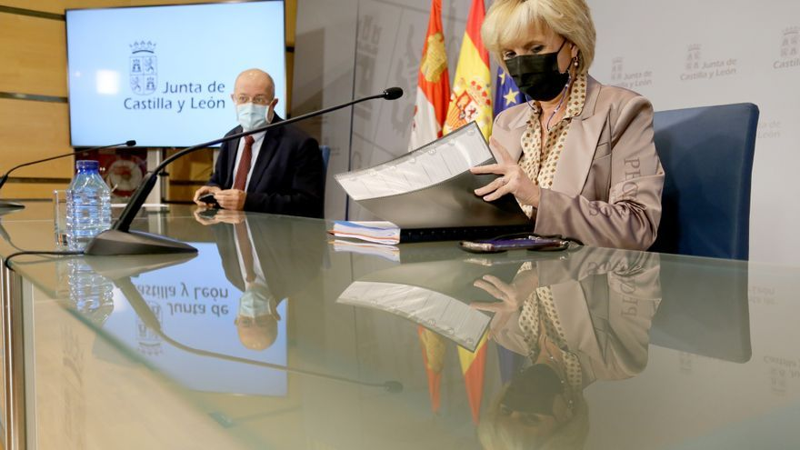 """Verónica Casado sobre la paralización de la vacunación en Castilla y León: """"No podemos arriesgarnos a que se den reacciones adversas por no ser cautos"""""""