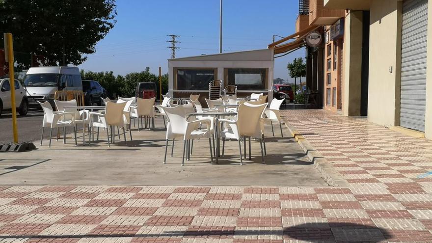 Almussafes también cede más espacios a las terrazas de los bares
