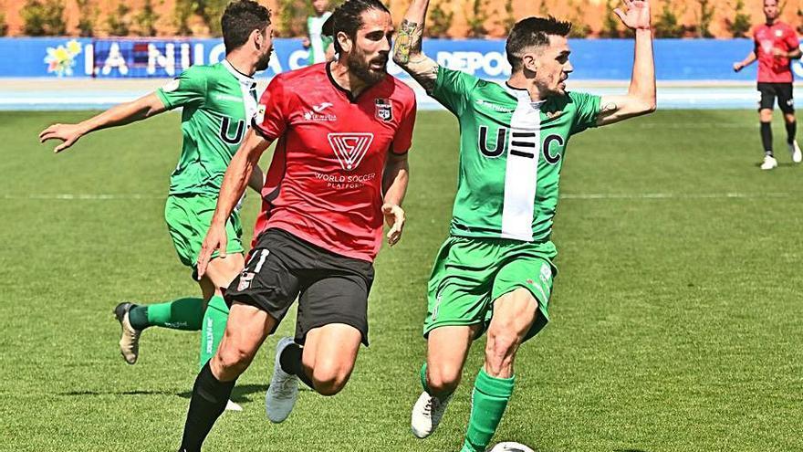 La Nucía planta cara y frena al líder Cornellà (0-0)
