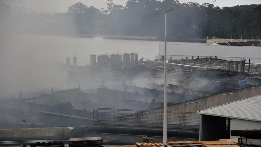 Así está la planta de Jealsa en Boiro tras el gran incendio del sábado