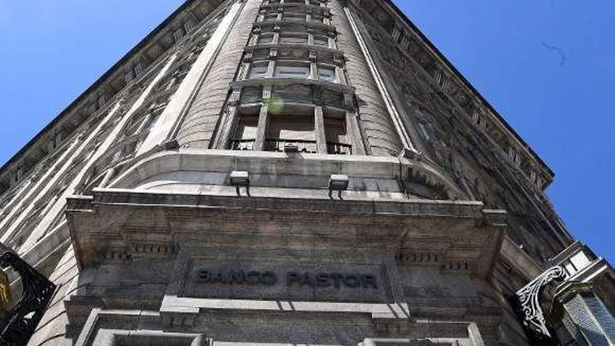 La antigua sede del Banco Pastor en el Cantón tendrá una oficina con cafetería
