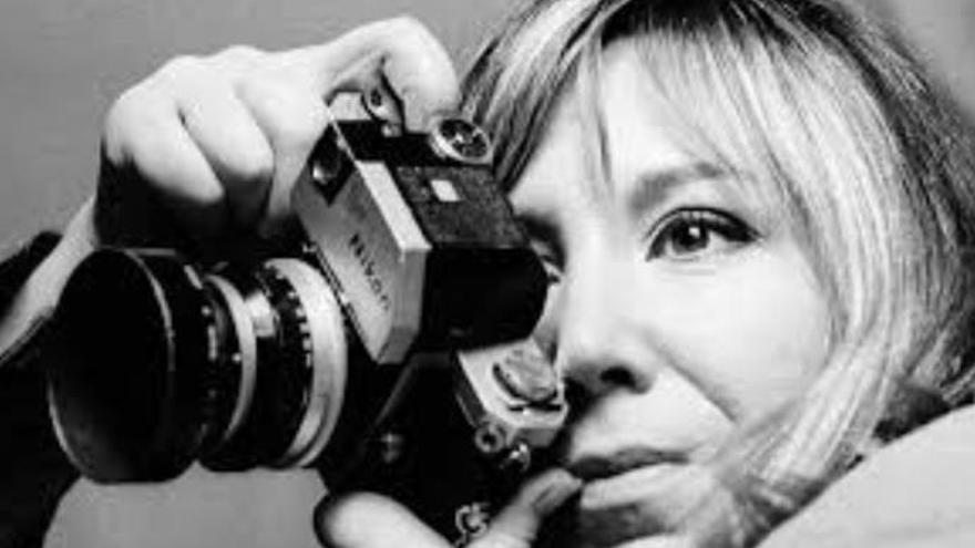La primera fotoperiodista