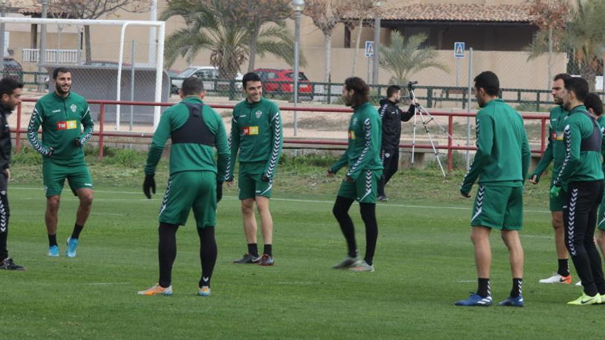 Iván Sánchez completa el entrenamiento y Josan se ejercita al margen del grupo