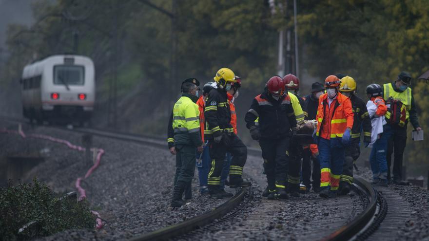 Un tren arrolla a una mujer en Barra de Miño