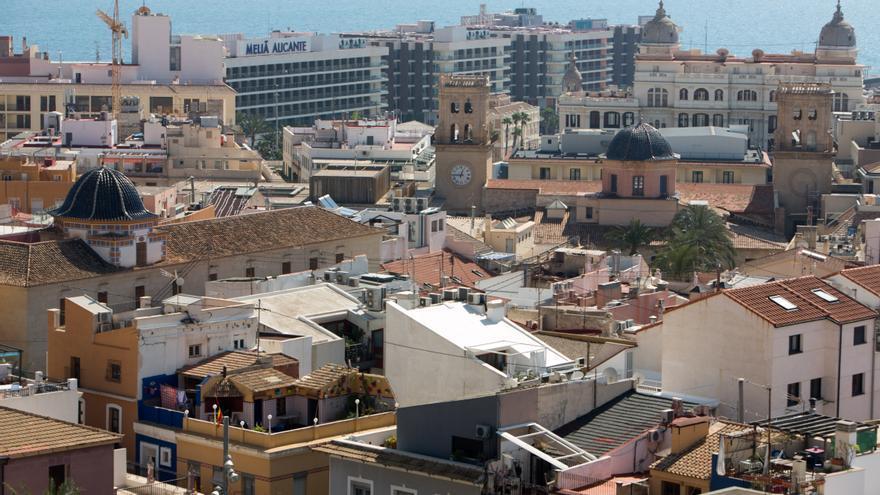 15 nuevas localidades tendrán toque de queda, 6 salen de la lista y 12 siguen, como Alicante y Benidorm
