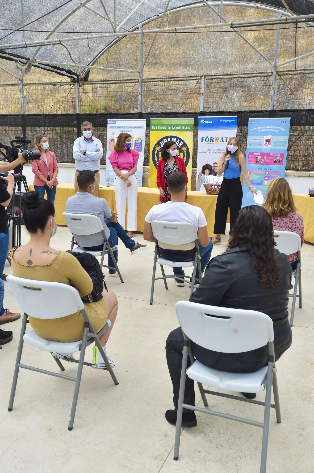 Entrega de diplomas a mujeres que han desarrollado acciones solidarias en Telde