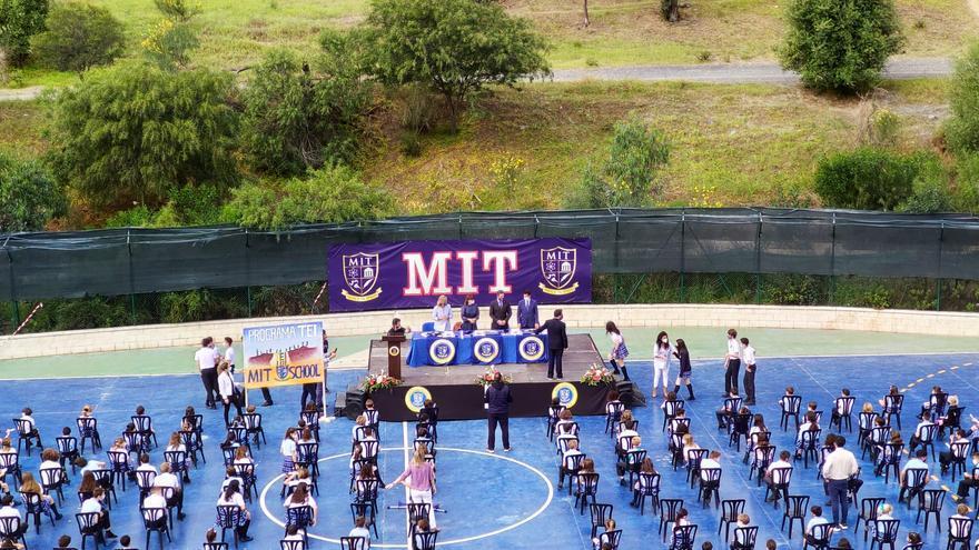 Reconocimiento a los alumnos que se convierten en agentes de cambio en el novedoso programa antibullying que desarrolla MIT School