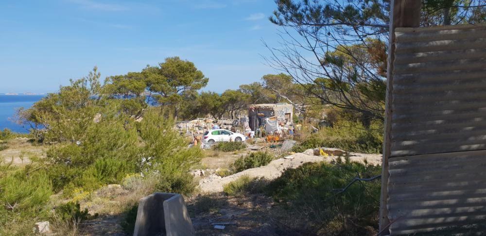 Restos de una construcción inacabada en Cala Vedella