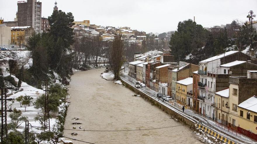 Ontinyent decreta el desalojo del barrio de Cantereria ante el peligro de desbordamiento del Clariano