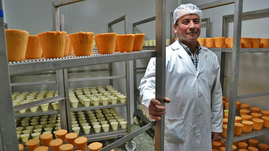 Alfonso López, el ganadero que convenció a su mujer para empezar a hacer quesos