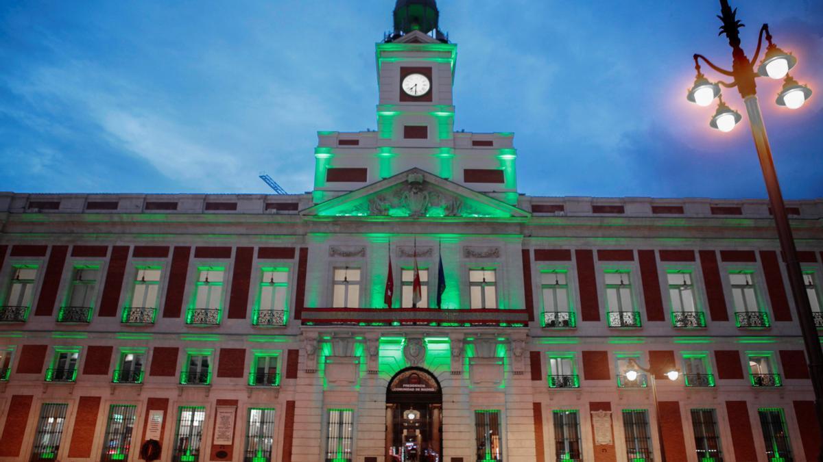 España se ilumina de verde para visibilizar a los enfermos de ELA