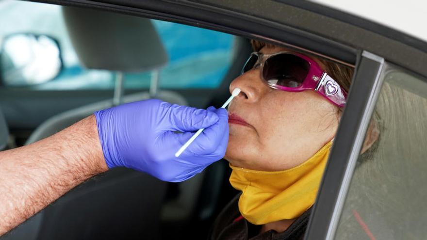 Al 69% de los españoles que sospechan tener el virus no le han realizado la prueba