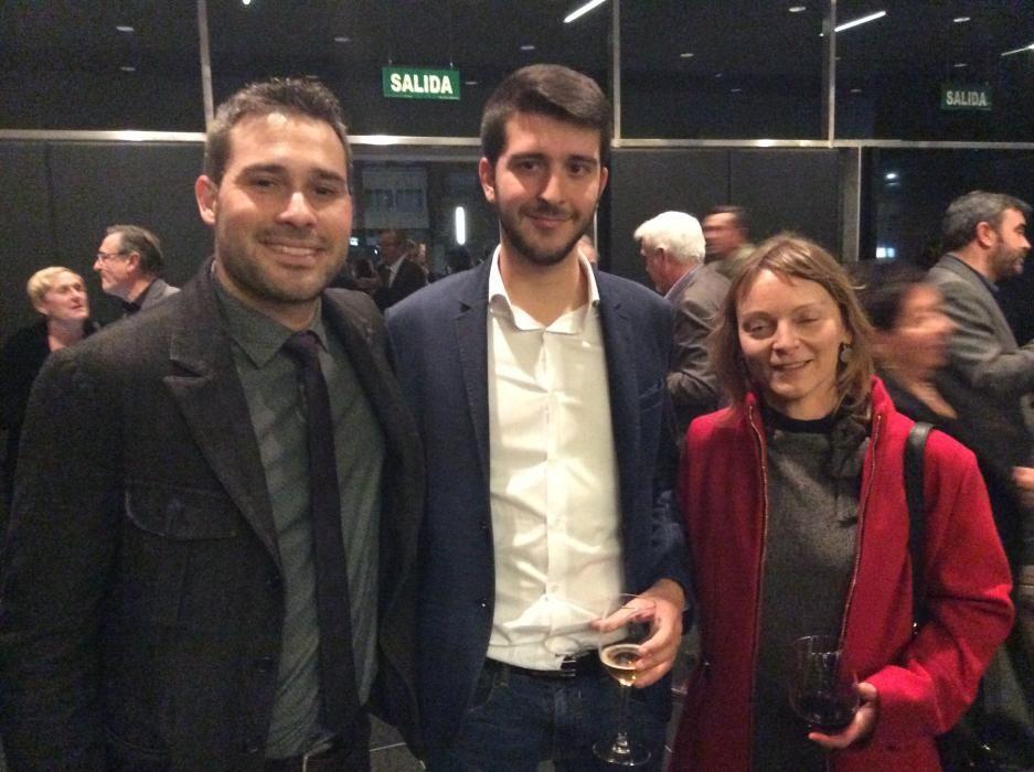 Gerard Fullana, portavoz de Compromís en la Diputación; Jordi Pla, regidor de Cocentaina, Ana Delia, alcaldesa de Benilloba.