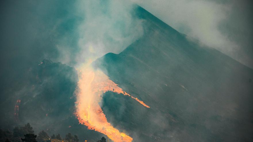 Nuevo derrumbe en el cono del volcán de La Palma