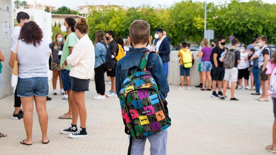 Los contagios en los centros educativos de Balears han caído un 50% en una semana