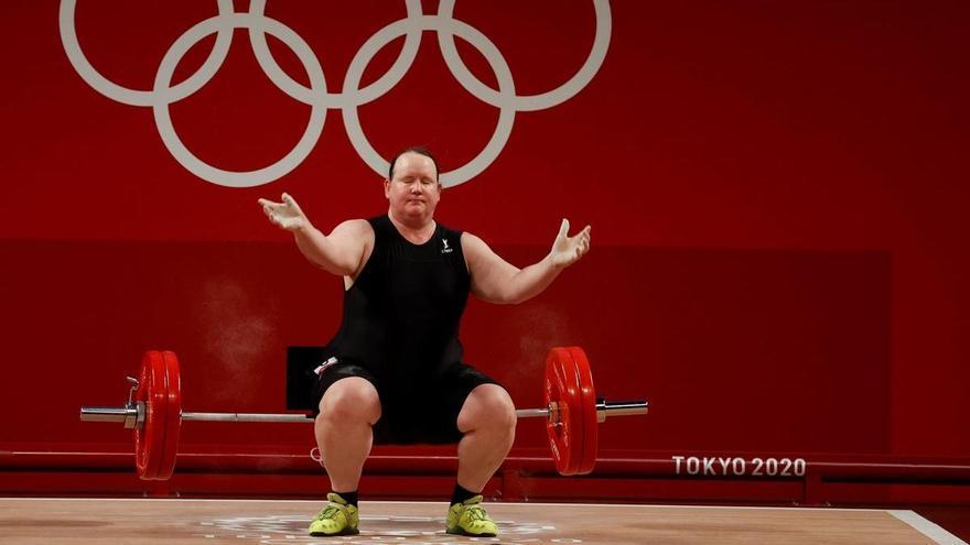 Eliminada Laurel Hubbard, la primera esportista transgènere en uns Jocs
