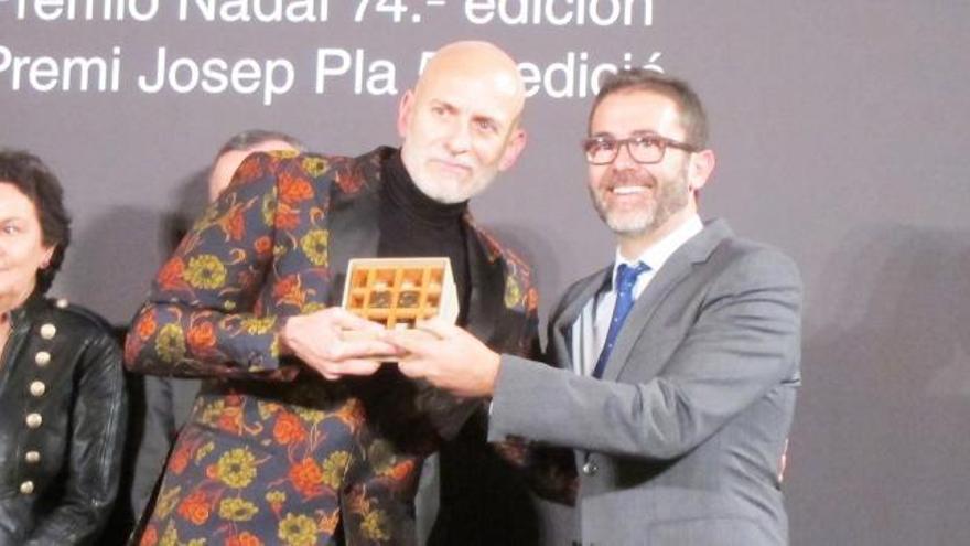 Alejandro Palomas, 74º Premio Nadal con la novela familiar 'Un amor'