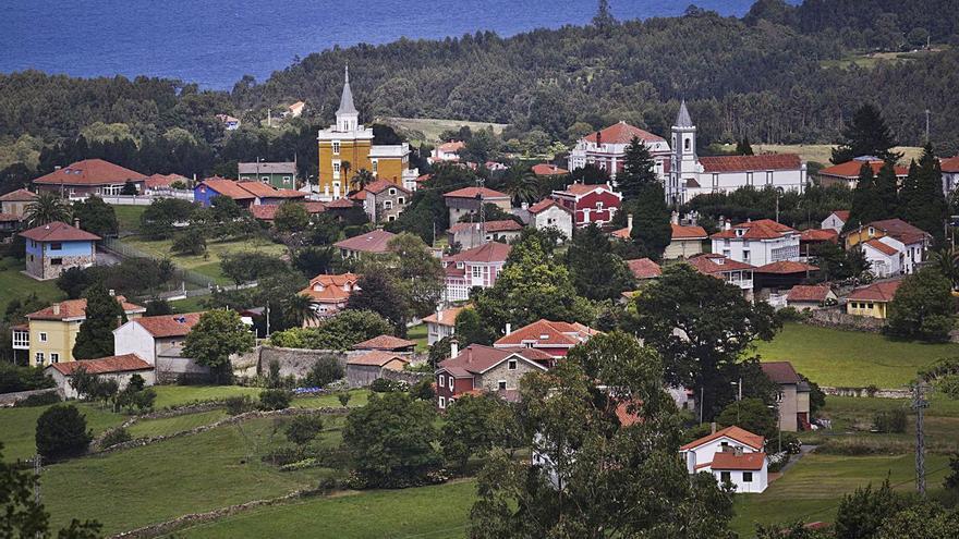 Pravia refuerza a Somao en su oferta turística y retoma las visitas guiadas a la localidad