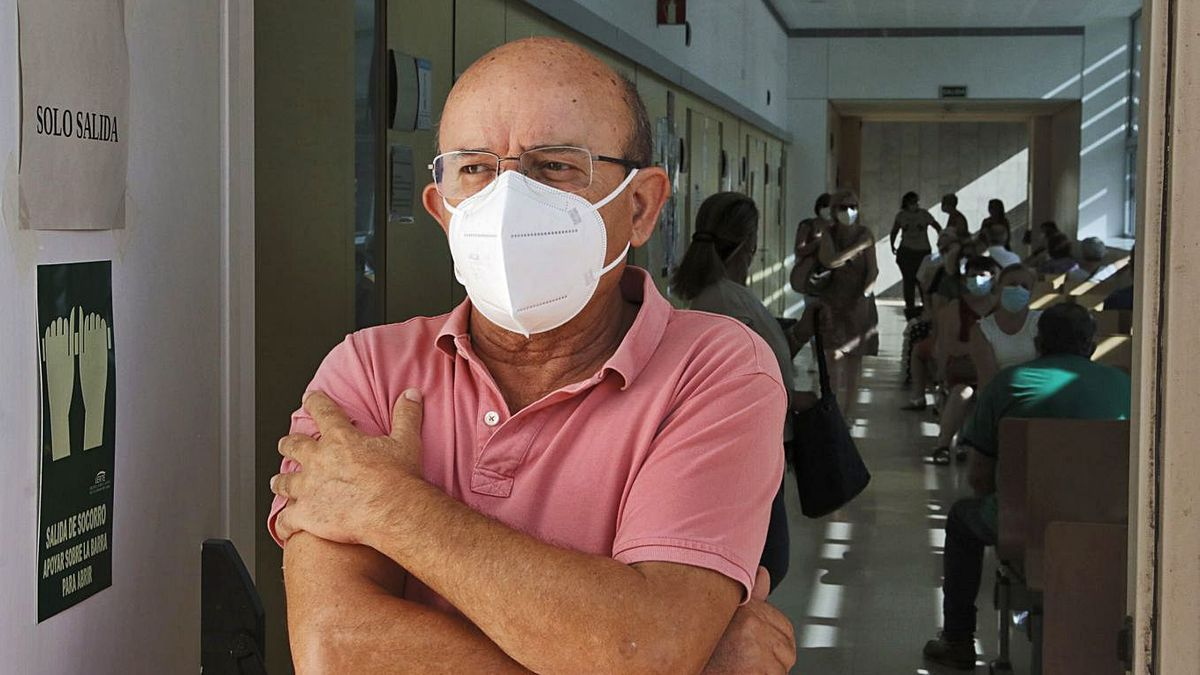 Con la segunda dosis puesta: Francisco Casares ya tiene las dos dosis de AstraZeneca.