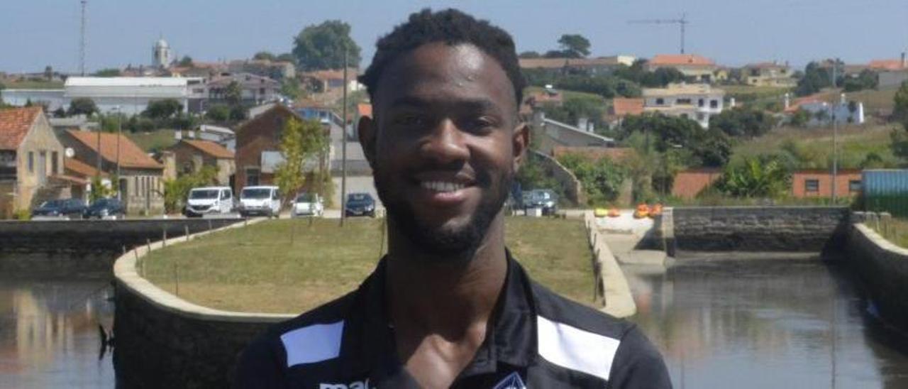 Jenilson Monteiro, nuevo jugador del Cangas. |  // ARTÍSTICA DE AVANCA