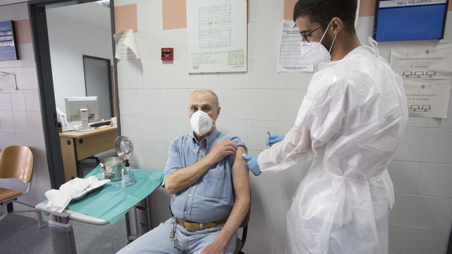 Los contagios diarios de coronavirus en la provincia de Alicante vuelven a bajar a 125, el tercer menor dato desde agosto