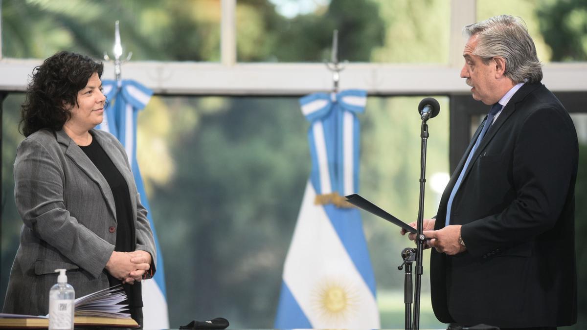 Fernández tomó juramento de su cargo a Vizzotti este sábado.