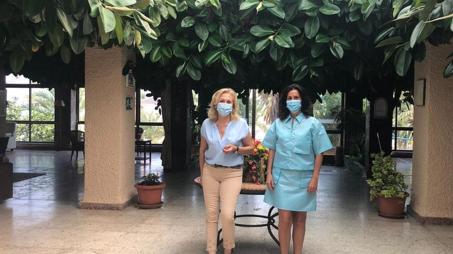 Los hoteles de la costa proponen crear un 'Imserso murciano' para evitar el cierre