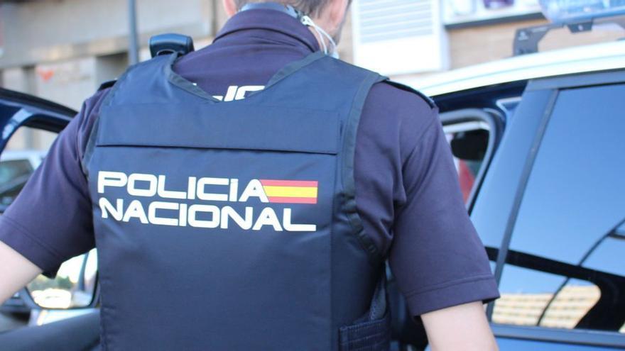 Un menor encierra a una chica de 16 años en los baños de un local y abusa de ella en Valencia