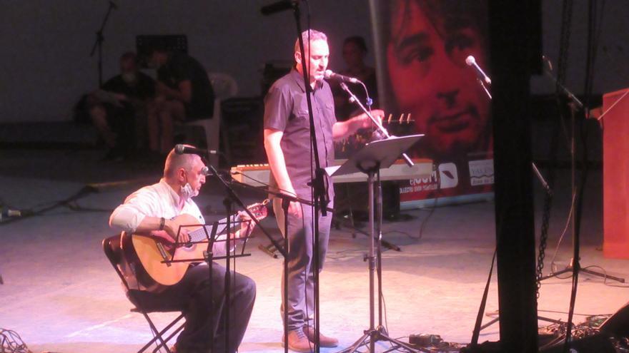 Burjassot musica a Estellés en el XCVII aniversario del nacimiento del poeta