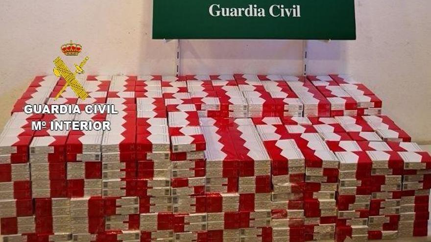 Intervenen 2.180 caixes de tabac a la Jonquera per valor d'11.000 euros