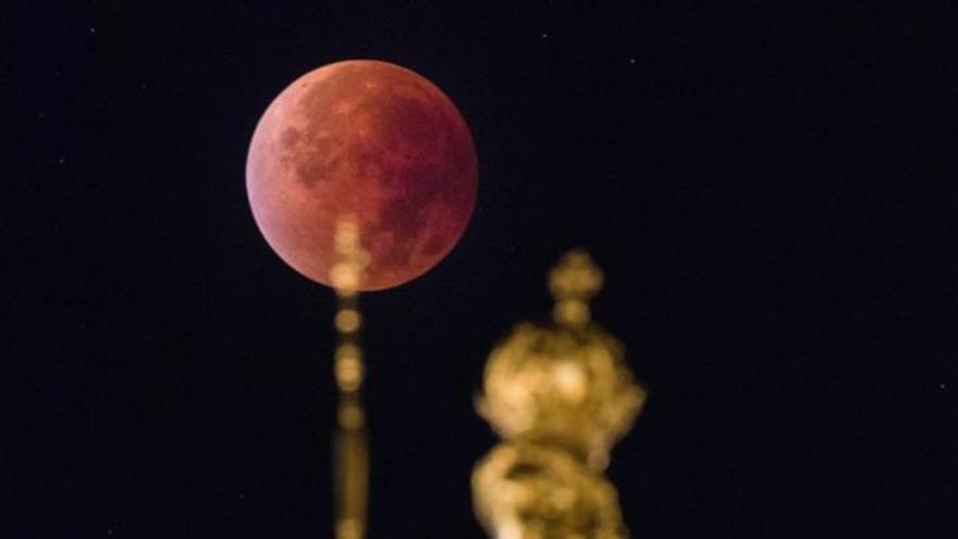 Quan i on es pot veure l'eclipsi lunar i la superlluna de maig