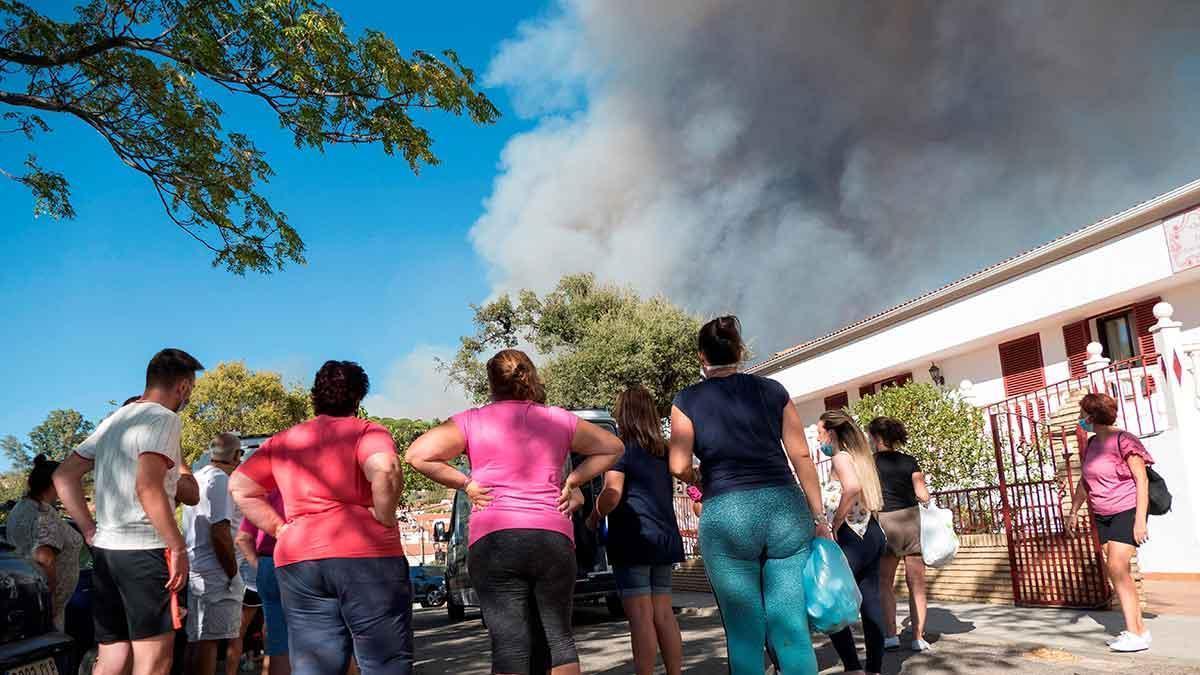 El incendio de Huelva llega ya a las 10.000 hectáreas
