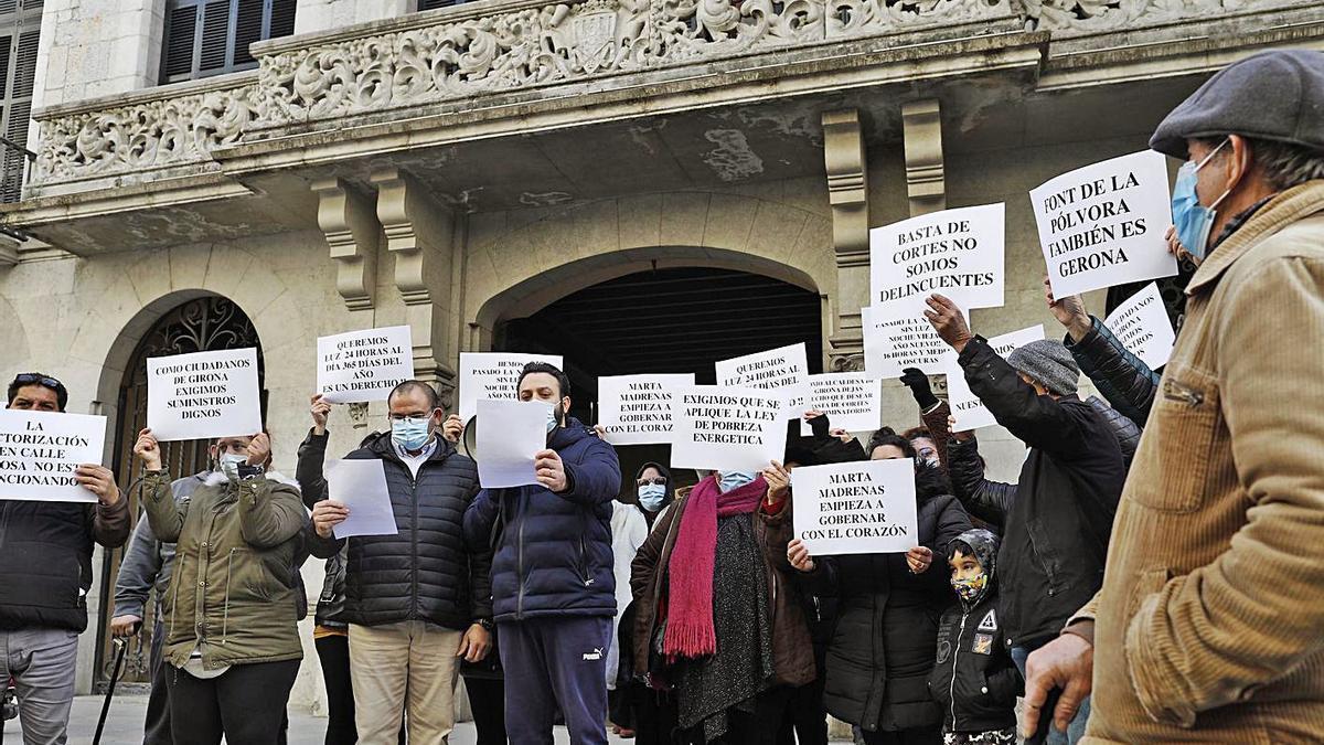 La concentració de protesta dels veïns de Font de la Pólvora, el passat 8 de gener