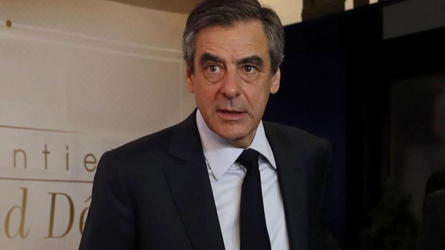 Fillon cobró 50.000 euros por organizar reuniones con Putin