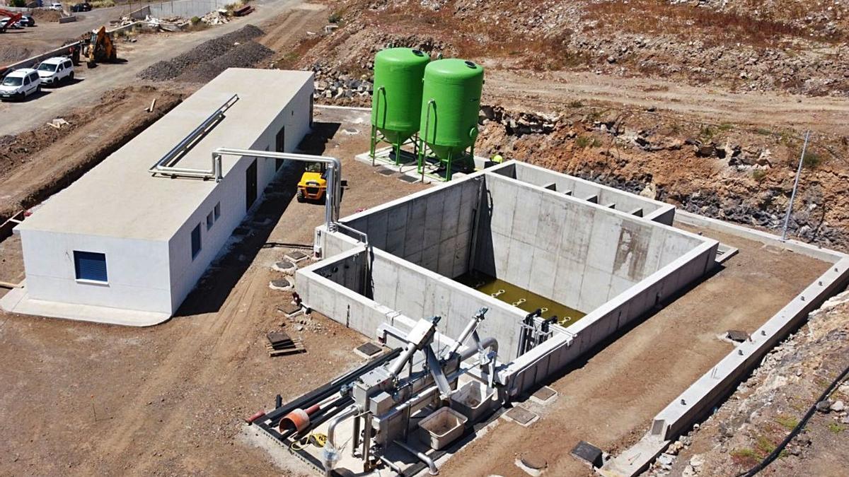 Imagen aérea de la nueva depuradora del polígono industrial de La Campana, en El Rosario.